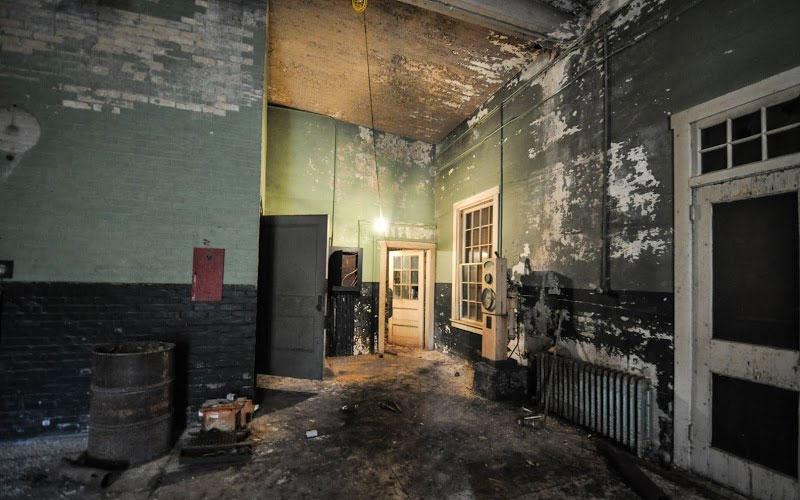 Old Pumphouse interior
